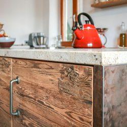 Küche mit Holzstruktur