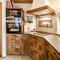 Maßgefertigte Holzküche